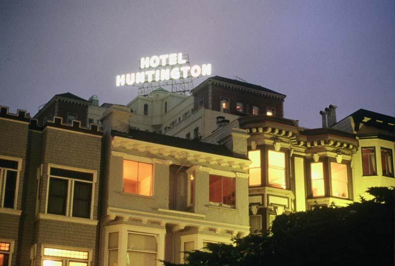 hotel huntington hill