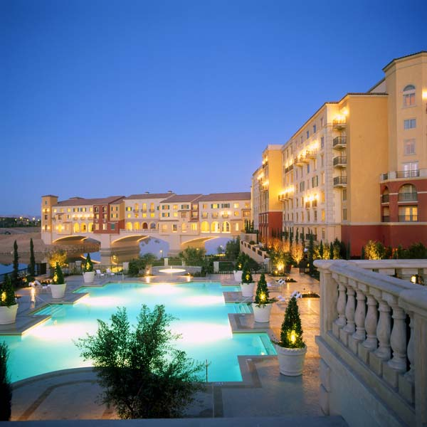 Carefully isolated within the Lake Las Vegas community, roughly 20 miles south-east of the Strip, the Ritz-Carlton is one of the most luxurious resorts in the Vegas metropolitan area, in no small.