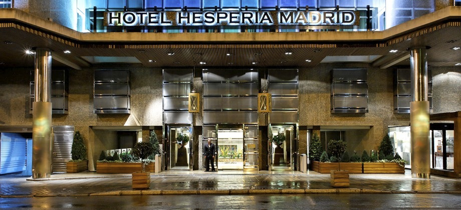 Hotel hesperia madrid spain hotel hesperia madrid espana for Luxury suites madrid madrid