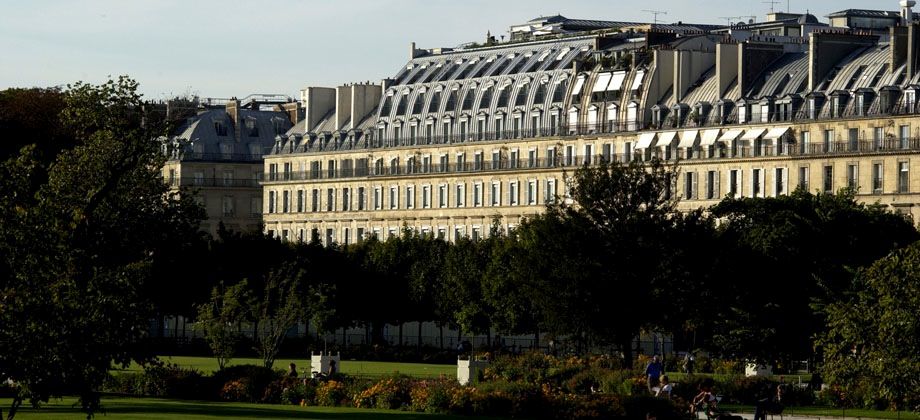 Le meurice paris france find hotel le meurice paris for Luxury hotel finder